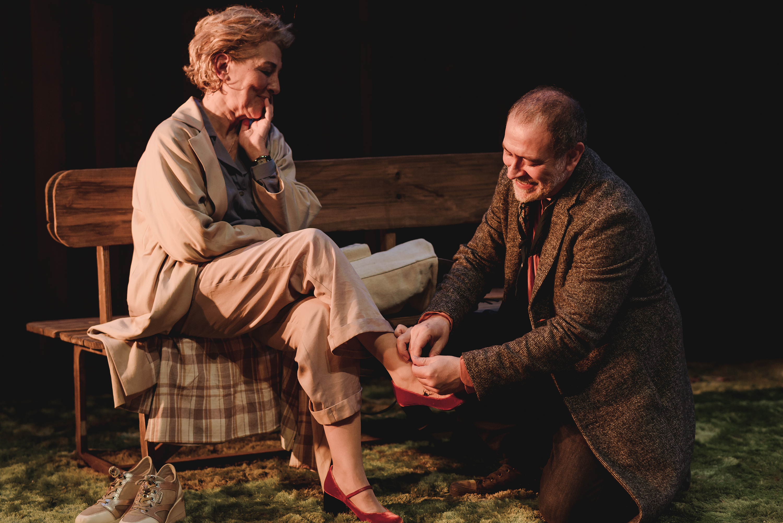 Masescena - Isabel Ordaz y Santiago Molero estrenan «El beso» en el Teatro  Español de Madrid